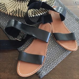 Urban outfitters ankle wrapped sandal ~ Size 9